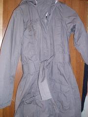 Продам девbчью детскую куртку-плащ