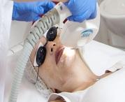 Лазерное удаление пигментных пятен ( родимых пятен) на лице и шее в Ки